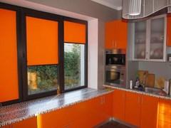 Оранжевые рулонные жалюзи